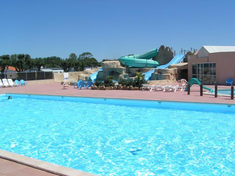 location-mobil-home-camping-avec-piscine-saint-hilaire-de-riez-vendee-bonnes-vacances-sarl