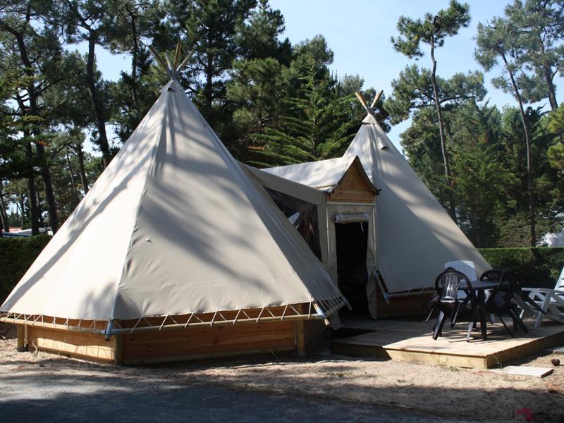 location-tipi-insolite-3-chambres-camping-vendee-bonnes-vacances-sarl