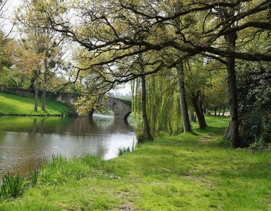 camping-au-lac-hautibus-pont-argentonnay