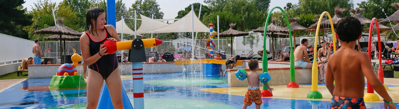 camping-sud-avec-piscine-enfant-bonnes-vacances-sarl