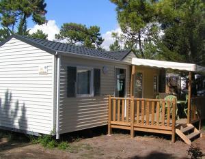 location-mobil-home-2-chambres-confort-plus-4-personnes-deux-sevres-bonnes-vacances-sarl