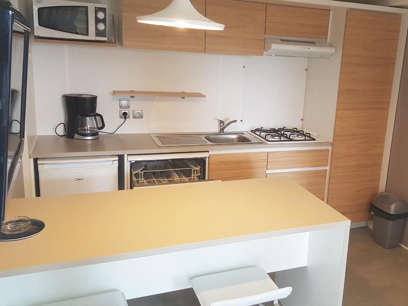 location-cottage-2-chambres-2-salles-de-bain-avec-cuisine-camping-saint-cyprien-bonnes-vacances-sarl