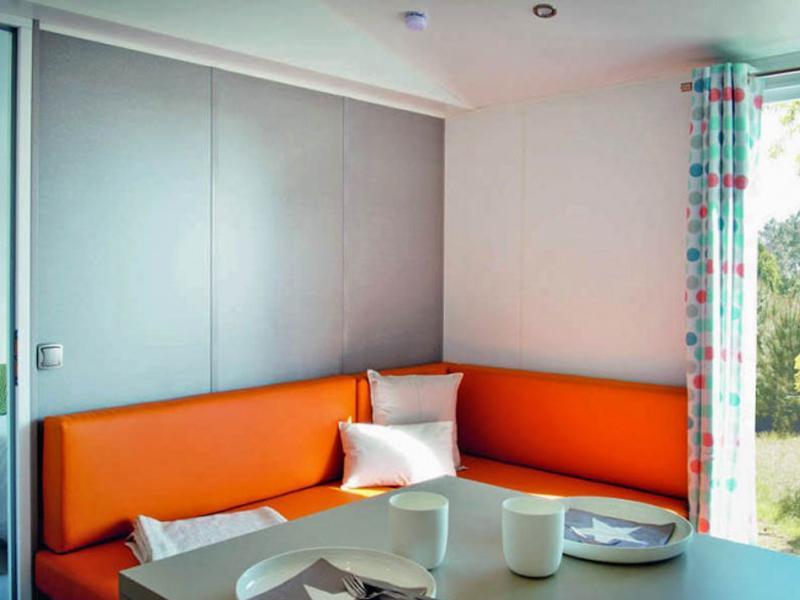 location-mobil-home-2-chambres-2-salles-de-bain-pour-4-personnes-saint-cyprien-bonnes-vacances-sarl