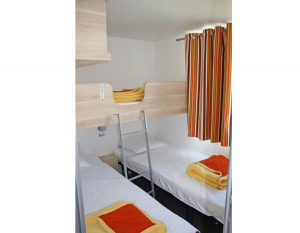 location-mobil-home-2-chambres-5-personnes-espace-lit-simple-camping-secondigny-bonnes-vacances-sarl