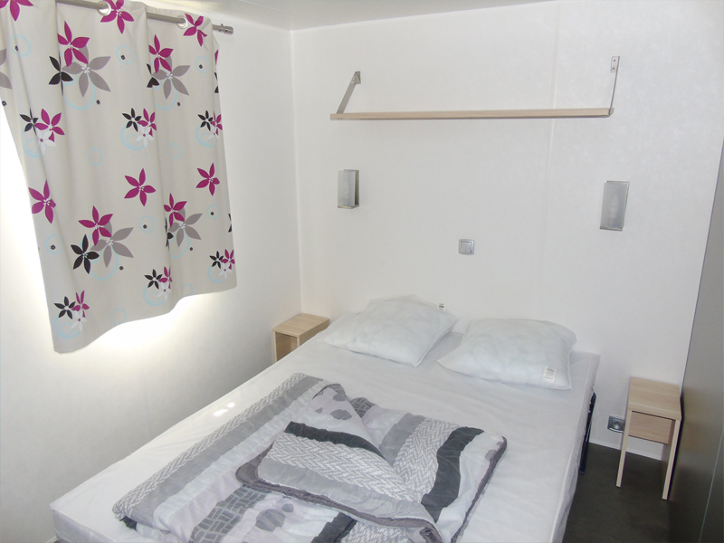location-mobil-home-2-chambres-chambre-lit-double-camping-vendee-bonnes-vacances-sarl