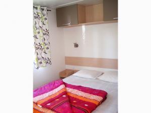 location-mobil-home-2-chambres-confort-plus-chambre-lit-double-deux-sevres-bonnes-vacances-sarl