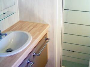 location-mobil-home-2-chambres-confort-plus-douche-deux-sevres-bonnes-vacances-sarl