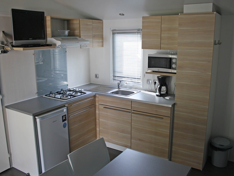 location-mobil-home-2-chambres-cuisine-equipee-camping-vendee-bonnes-vacances-sarl