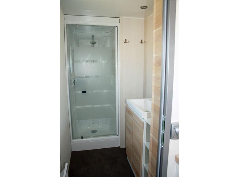 location-mobil-home-3-chambres-6-personnes-douche-camping-vendee-bonnes-vacances-sarl