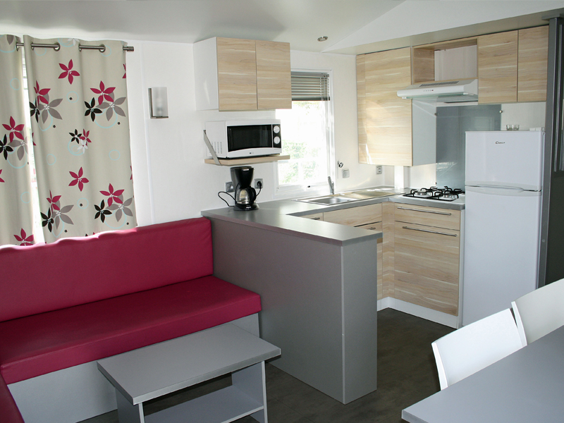 location-mobil-home-3-chambres-6-personnes-sejour-camping-vendee-bonnes-vacances-sarl
