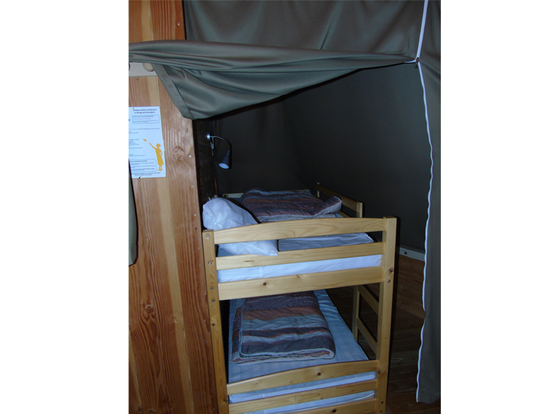 location-tipi-insolite-3-chambres-lit-simple-camping-vendee-bonnes-vacances-sarl