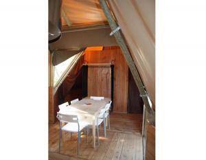 location-tipi-insolite-6-personnes-sejour-camping-nature-bonnes-vacances-sarl