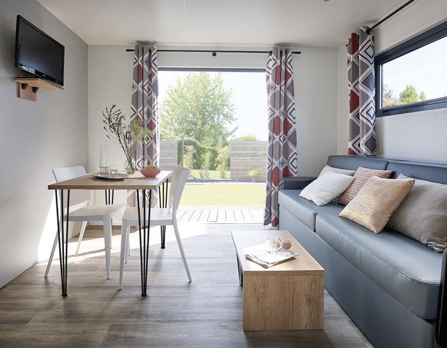 location-mobil-home-1-chambre-2-personnes-avec-banquette-camping-secondigny-bonnes-vacances-sarl