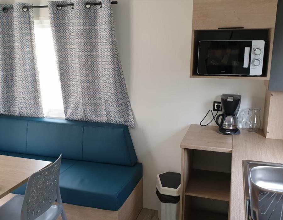 location-mobil-home-1-chambre-grand-refrigerateur-camping-secondigny-bonnes-vacances-sarl