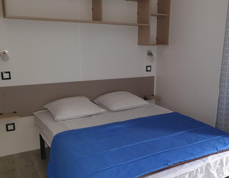 location-mobil-home-1-chambre-lit-double-camping-secondigny-bonnes-vacances-sarl